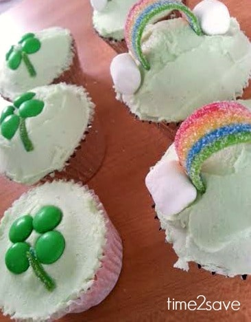 st-patricks-day-cupcakes-rainbows