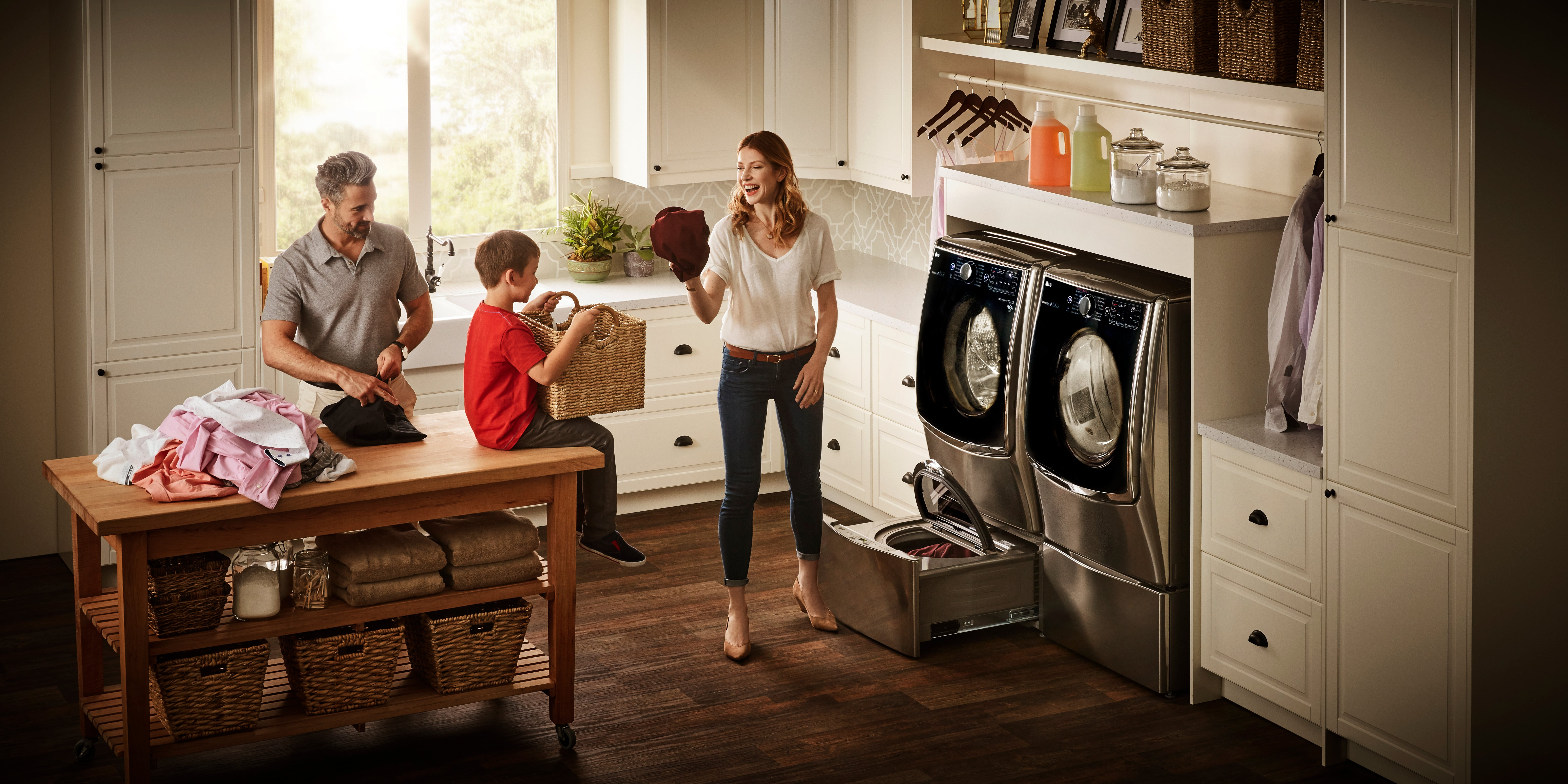 LG TwinWash laundry_Family