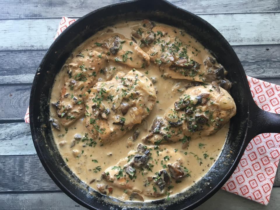 chicken & mushroom gravy horizontal 2