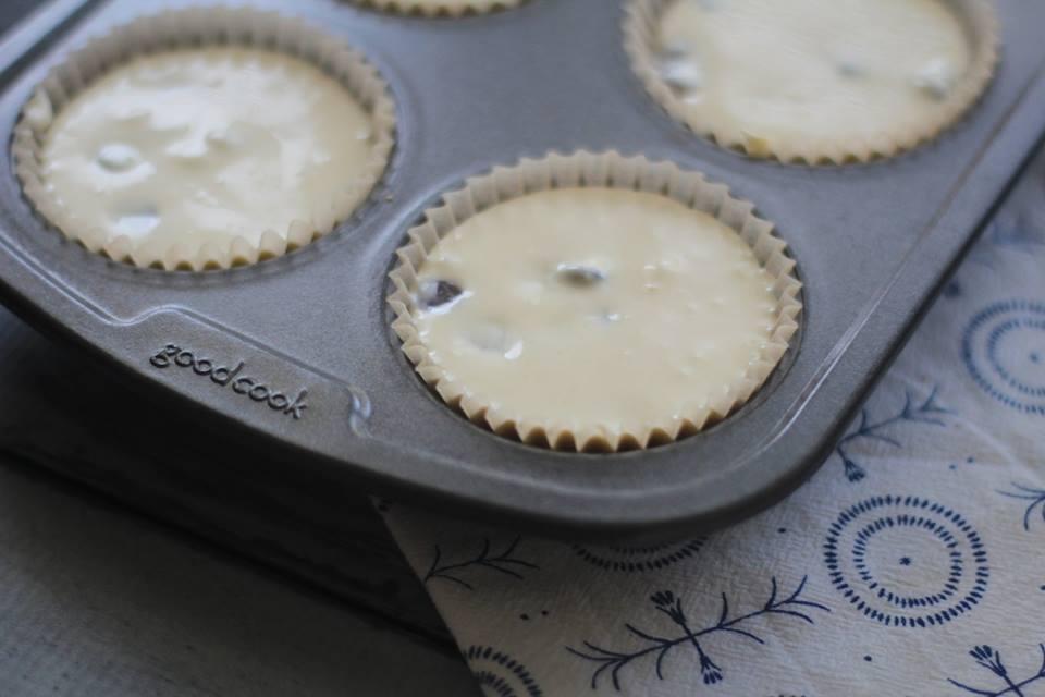 Keto Chocolate Chip Cheesecake Muffins