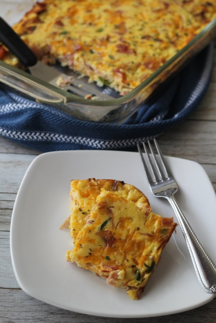 This Keto Breakfast Bake is seriously one the tastiest low carb breakfast bakes there is! Prepare and plan ahead so you can just bake when ready to eat! #breakfast #keto
