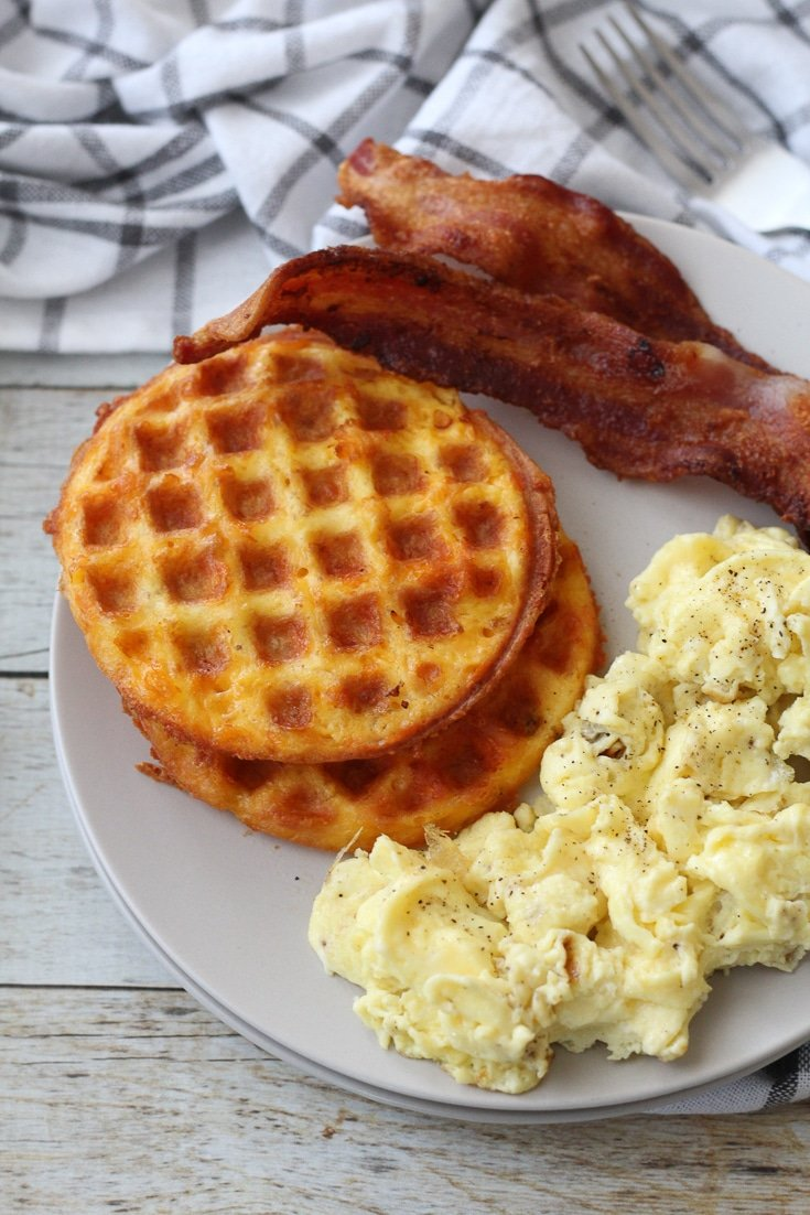 chaffle plated with bacon and scrambled eggs