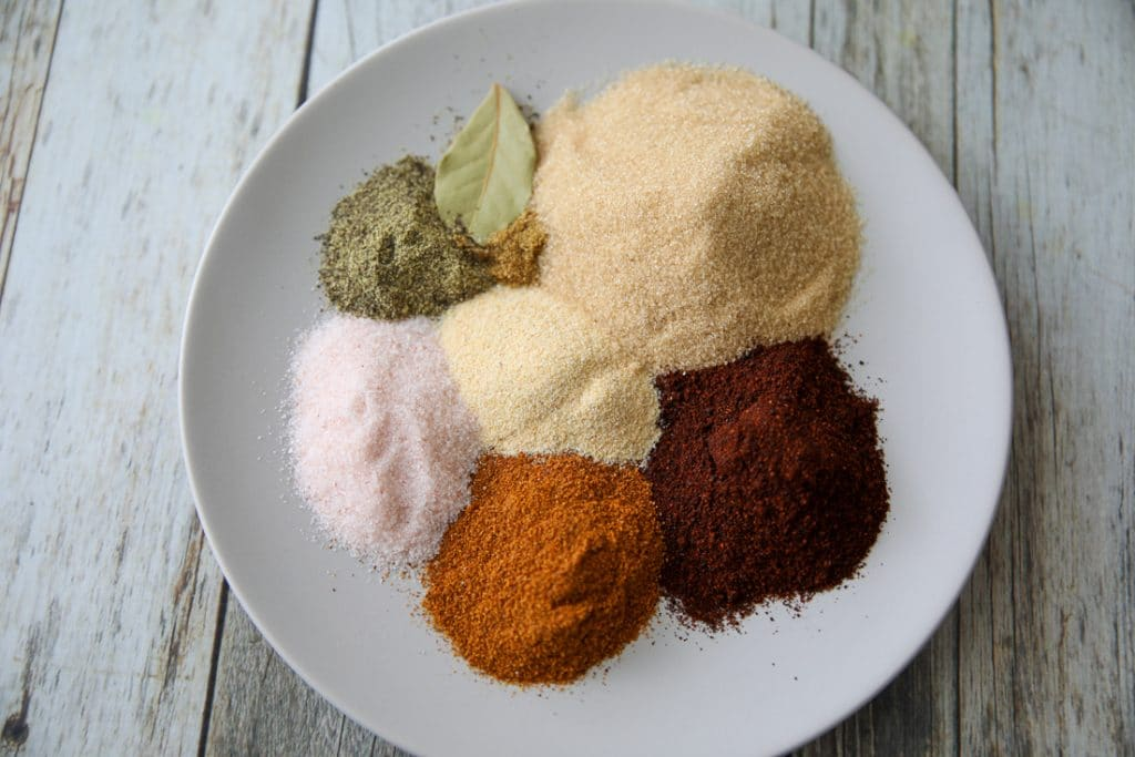 spices for keto pulled pork recipe on a plate