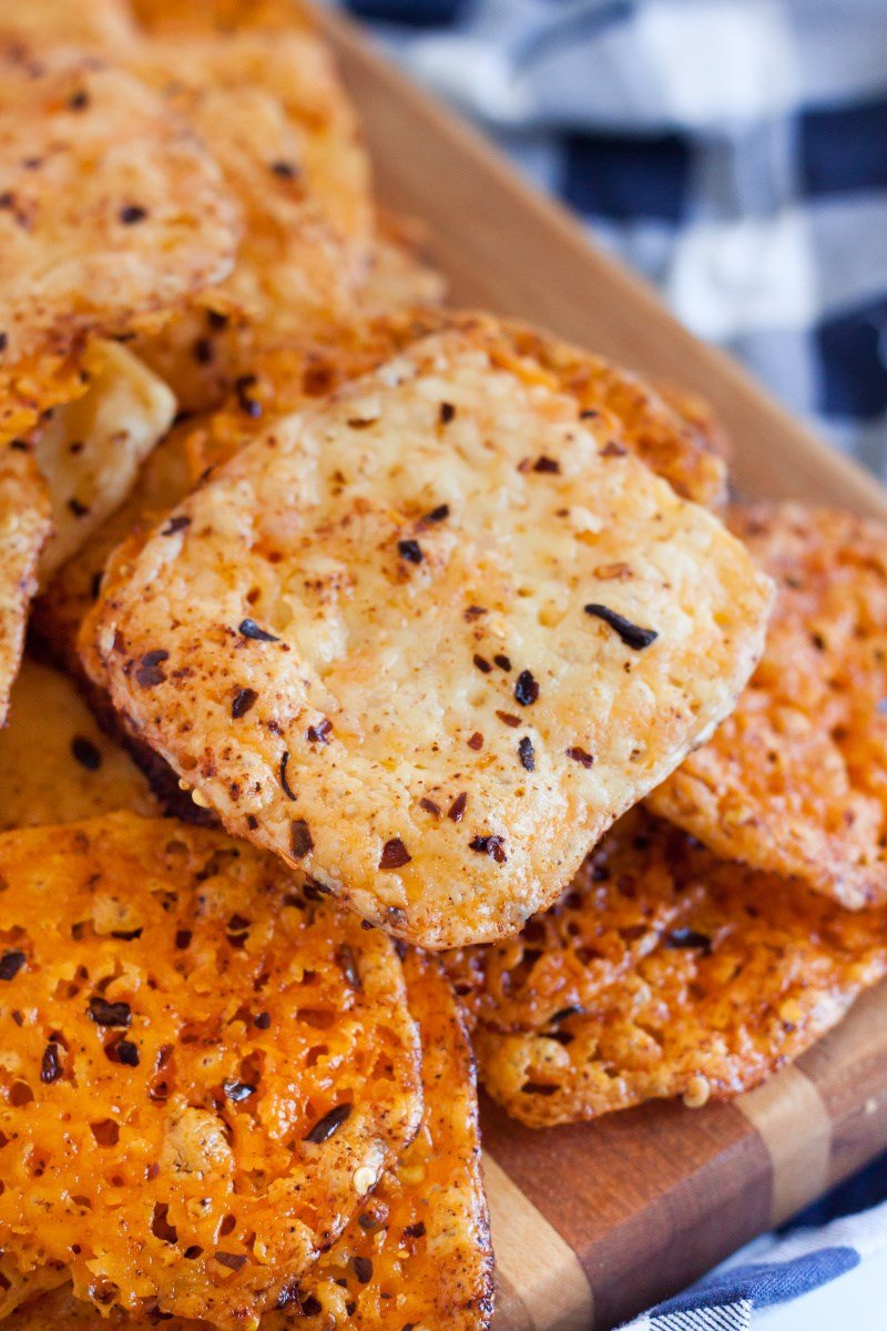 baked cheese crisps snack