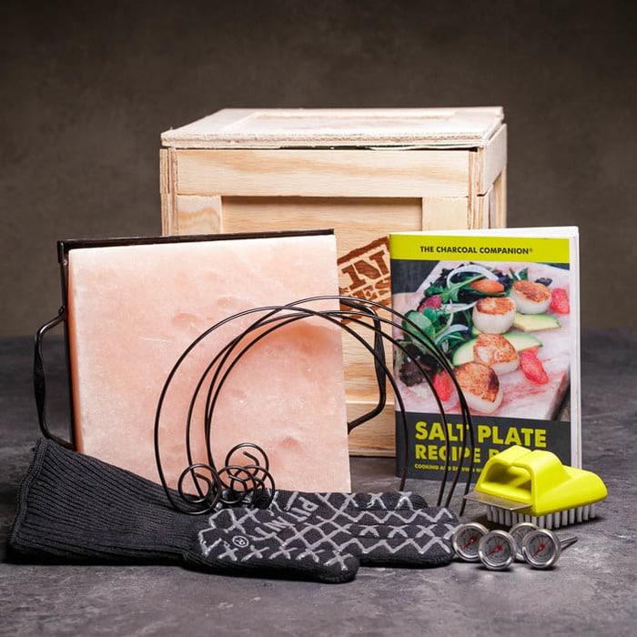 Man crates Grilling Box Image